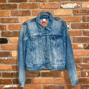 Levi's Distressed Denim Jacket Size Large
